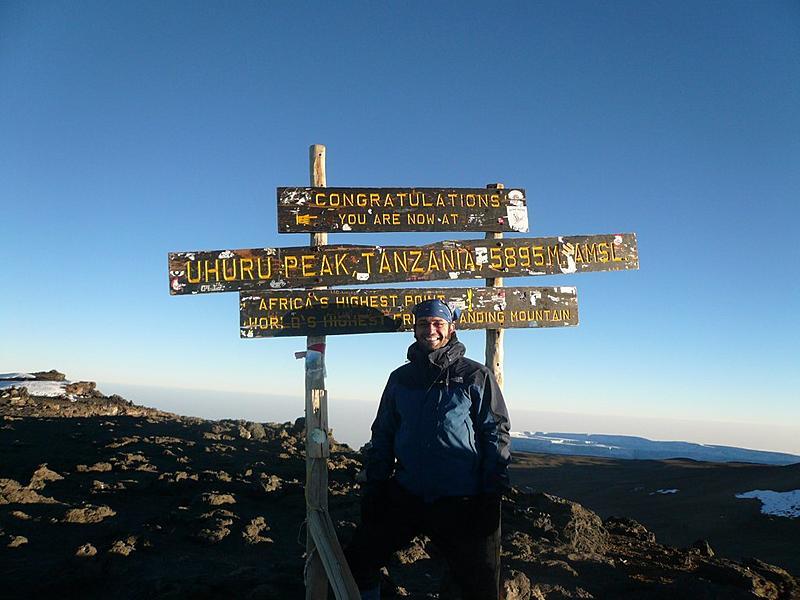 Uhuru Peak   7am.  5895m = 19,340ft